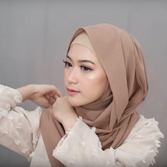 4 Style Tutorial Hijab Pashmina Simple Lara Hijab
